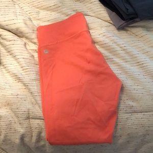 Fabletics 7/8 coral compression leggings